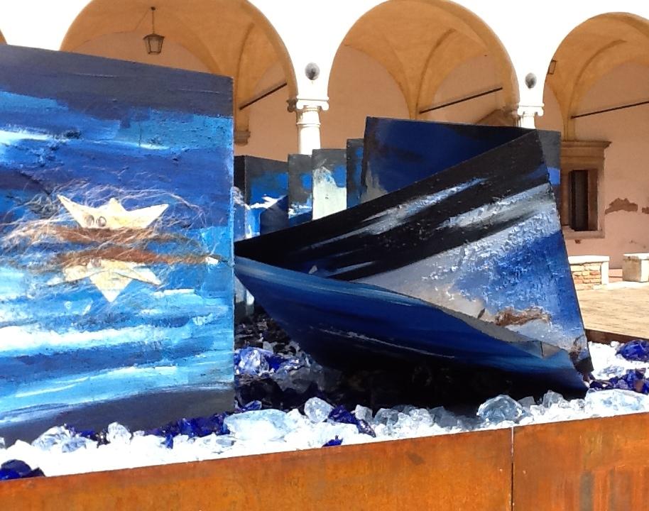 """Il vetro di Murano per realizzare la mostra """"I libri d'acqua"""" di Antonio Nocera"""