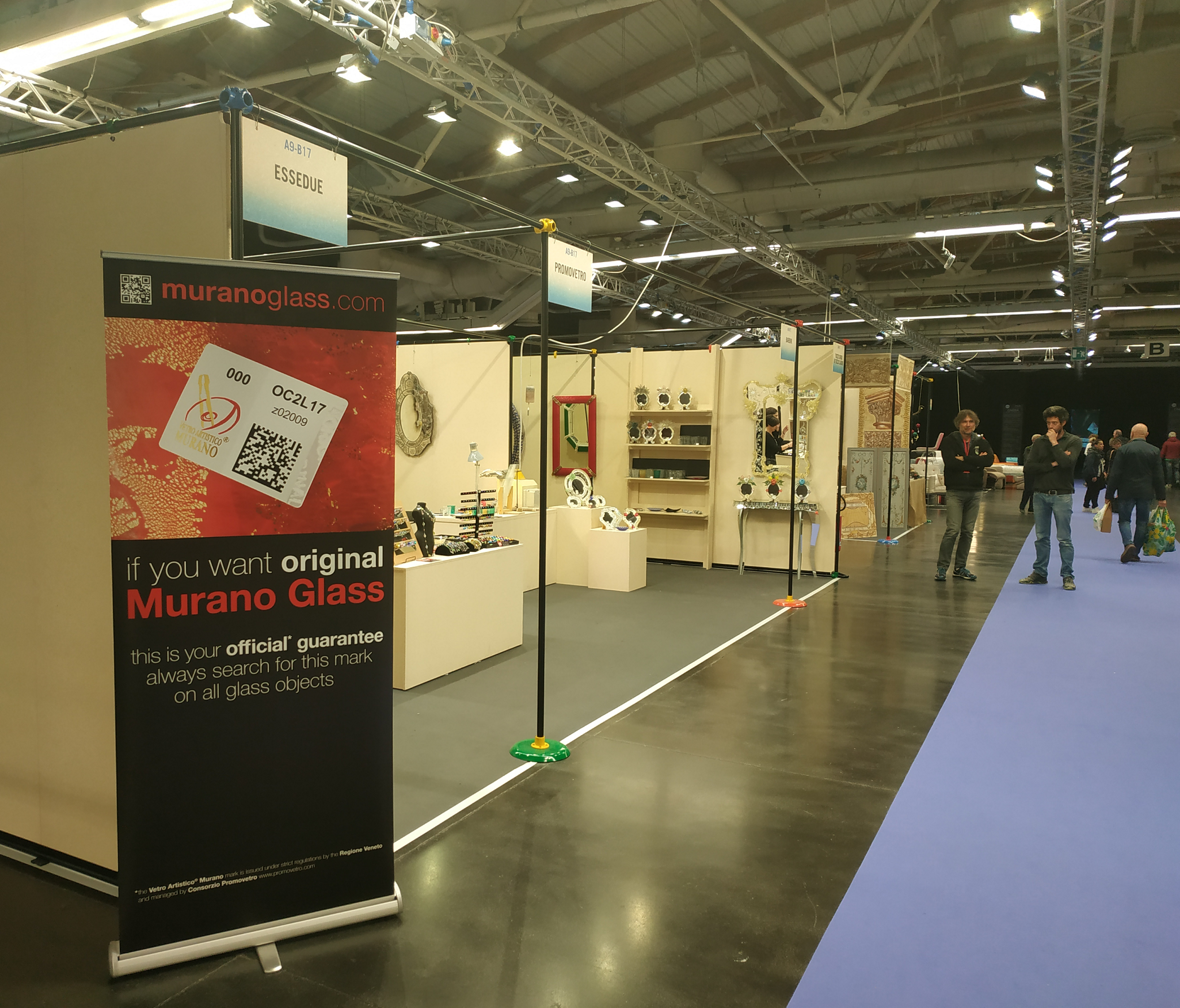 Consorzio Promovetro associated companies at the Florence International Artisan Fair, MIDA2019